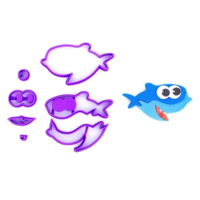 Emporte pièce en kit requin bleu allongé baby shark