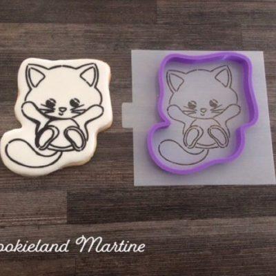 Emporte pièce + pochoir à colorier chat
