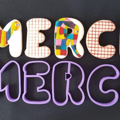 Lot de 5 emporte pièces lettres «MERCI»